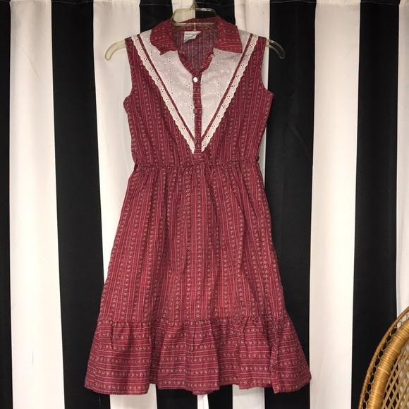 Vintage pretty plus girls dress